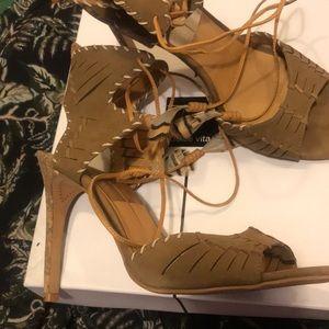 Prairie chic heels Dolce Vita, sz 10